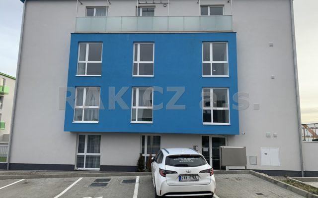 foto Nový byt 2+kk svelkou komorou, 69,7 m2, balkon, garážové stání, Jesenice, Praha – západ, ulice Cedrová