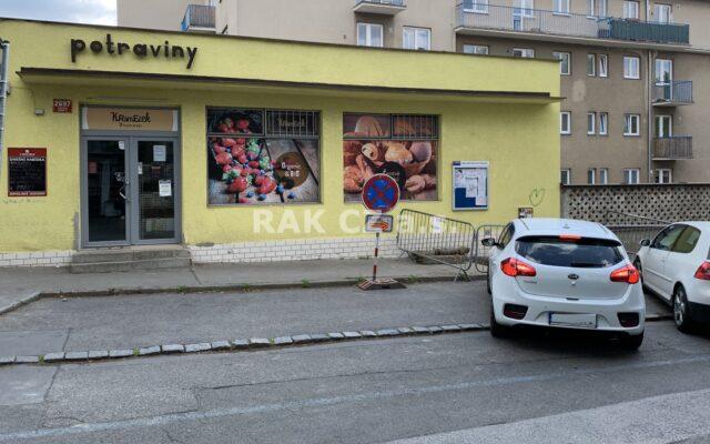 foto Multifunkční komerční objekt sprodejnou potravin, 250 m2, Praha 5 – Smíchov, ul. UKlikovky