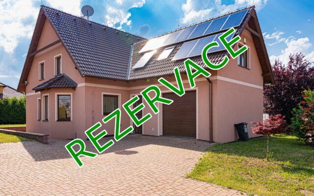 foto RD 5+1 svelkou garáží, 191 m2, pozemek 678 m2, Nupaky, ulice Polní, Praha – východ