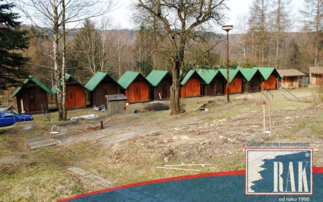 foto Rekreační areál, 22 chatek, pozemek 7.753 m2, Ostrov u Tisé, okr. Ústí nad Labem