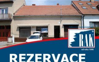 foto Řadový rodinný dům s obchodním prostorem, zastavěná plocha 524 m2, zahrada 2.081 m2, obec Čebín, okr. Brno – Venkov
