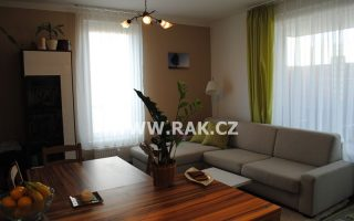 foto Byt 2+kk s balkonem, 67,8 m2, Nad Přehradou, Praha 10