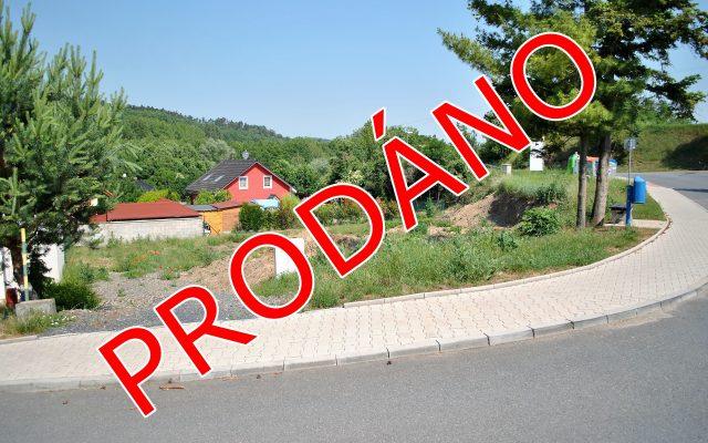 foto Pozemek splatným stavebním povolením na RD, 559 m2, Kralupy nad Vltavou – Minice, ul. Pod Hradištěm
