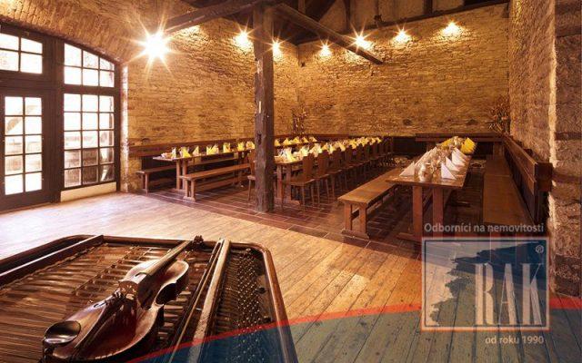 foto Staročeská, zážitková, folklórní restaurace s tradicí 25-ti let, Středokluky, Praha-západ