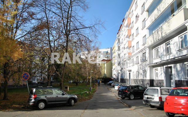foto Praktický byt 2+1 se zasklenou lodžií asklepem, 78,63 m2, Praha 5 – Košíře, ulice Plzeňská