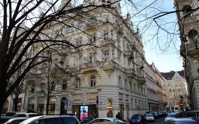 foto Světlý, prostorný byt 2+kk sbalkonem, 83,1 m2, Praha 1 – Staré Město, ulice Pařížská