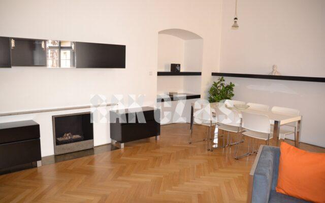 foto Prostor pro podnikání ibydlení, 86 m2, vbývalém barokním paláci Kinských