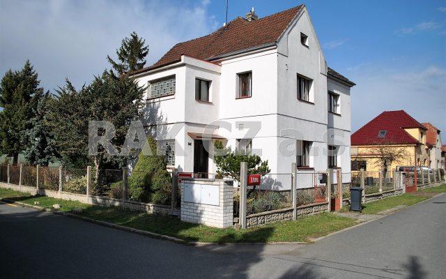 foto Ideální polovina RD 4+2 sgaráží, pozemek 561 m2, Zeleneč, Praha – východ, ulice Žižkova