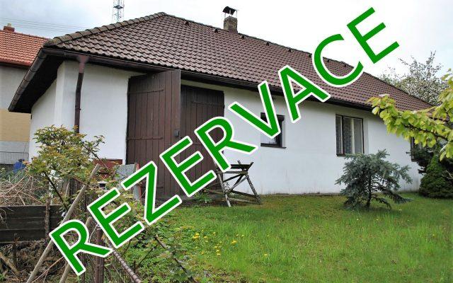 foto RD 2+1 sgaráží, velkou půdou asklepem, pozemek 710 m2, obec Božejov – Nová Ves, okr. Pelhřimov