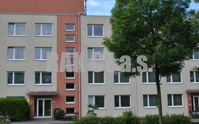 foto Prostorný byt 3+1, částečně zařízený, 74 m2 + lodžie 7 m2, garážové stání, Praha 5 – Jinonice