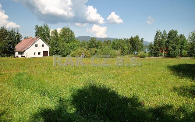 foto Velký zděný dům 4+1 sgaráží, pozemek 4.560 m2, obec Černá vPošumaví – Mokrá, okr. Český Krumlov