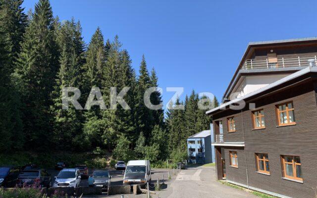 foto Apartmán 1+kk – 27,67 m2 + nebytový prostor 60,83 m2, Harrachov, okr. Semily