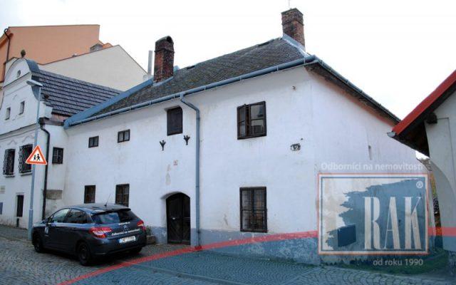 foto Historicky cenný RD 3+1, pozemek 312 m2, obec Polná – okr. Jihlava