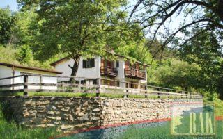 foto Zděná chata 5+1 v blízkosti přehrady Orlík