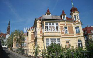 foto Vila, 5 bytů – 579 m2, pozemek 939 m2, rozsáhlé sklepy a půda, Teplice, ulice Českobratrská