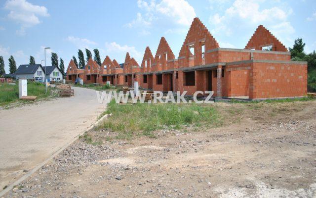 foto Novostavba ŘRD 4+kk s garáží, 122 m2, pozemek 430 m2, Býkev, okr. Mělník