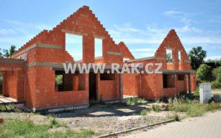 foto Novostavba zděného ŘRD 4+kk s garáží, 122 m2, pozemek 335 m2, obec Býkev – okres Mělník